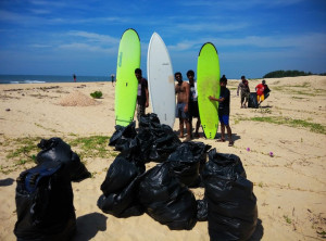 mantra beach cleanup5