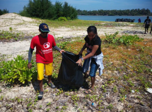 mantra beach cleanup6